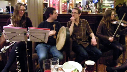 Bodhran lesson with Baron